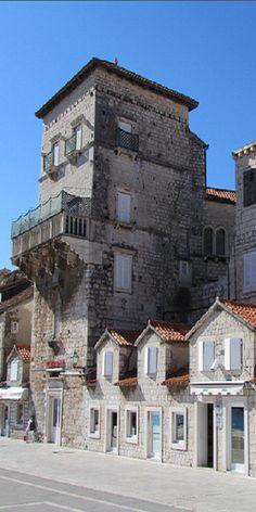 Riva, Trogir, Croatia / old stone house  #croatia #hrvatska