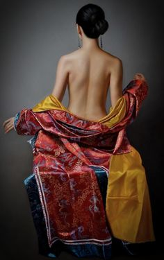 Kai Fine Art is an art website, shows painting and illustration works all over the world. Sexy Painting, Woman Painting, Female Poses, Female Art, Photography Poses, Fashion Photography, Geisha Art, Dress Clothes For Women, Beautiful Asian Women