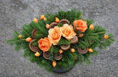 Love European style botanical arrangements Funeral Flower Arrangements, Modern Flower Arrangements, Christmas Arrangements, Grave Flowers, Funeral Flowers, Diy Flowers, Handmade Decorations, Flower Decorations, Christmas Decorations