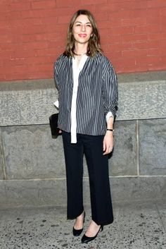 Sofia Coppola attends the Marc Jacobs Fall 2018 fashion show during. New Movies Out, In And Out Movie, Sofia Coppola Style, Marc Jacobs, Looks Style, My Style, Autumn Fashion 2018, Costume Institute, Sweaters And Jeans