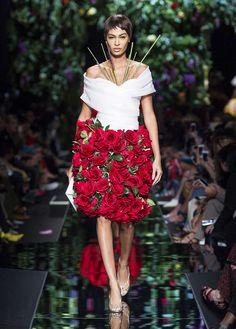Moschino Spring/Summer 2018 fashion show Moschino Spring/Summer 2018 fashion show - see more on www.moschino.com