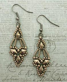 Free Beading Pattern - Arabella Earrings   These handmade earrings are so elegant!