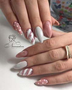 ♚♛нσυѕтσиqυєєивяι♛♚ nail designs designs for short nails step by step essie nail stickers nail appliques full nail stickers Pink Nail Art, Nail Art Diy, Pink Nails, Chrostmas Nails, Pink Art, Gel Nail Art, Nail Nail, Love Nails, Xmas Nails