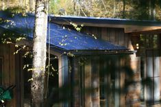 DublDom by BIO Architects « Inhabitat – Green Design, Innovation, Architecture, Green Building Modern Prefab Homes, Prefab Cabins, Building A Container Home, Kit Homes, Green Building, House In The Woods, Beautiful Interiors, Architecture, Outdoor Structures
