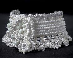 Gehäkelte Perlen Armband Manschette. Häkeln von KaterinaDimitrova