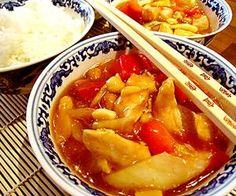 Kung Po -kana on kiinalaisen keittiön bravuureja. Apple Pie, Thai Red Curry, Food And Drink, Pork, Eat, Ethnic Recipes, Desserts, Chinese, Kale Stir Fry