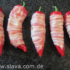 Filled pointed peppers with bacon and a creamy sheep& cheese filling Cook . - Filled pointed peppers with bacon and a creamy sheep& cheese filling Cooking & baking made ea - Healthy Grilling, Grilling Recipes, Pork Recipes, Mexican Food Recipes, Snack Recipes, Snacks, Ethnic Recipes, Bacon Bombs, My Favorite Food