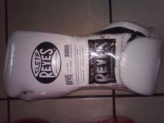Cleto Reyes Traditional Lace Up Training Boxing Gloves - White UFC New  #CletoReyes