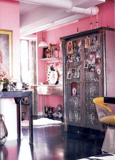 Betsey Johnson's pink kitchen.  Yes, KITCHEN.  From Elle Decor UK via paperbean.com.au.