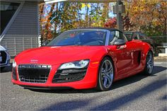 Convertible season never ends with an #R8Spyder #Quattro