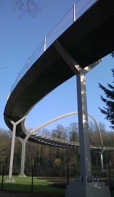 Der im Frühjahr 2009 abgeschlossene 154. Schinkelwettbewerb hat eine gestalterisch spektakuläre Brückenlösung als Siegerergebnis hervorgebracht. Die in geschwungener S-Form gestaltete Brücke stellt die Verbindung zwischen der Schwedendamminsel mit dem Optikpark und dem Weinberg dar. Bei der BUGA 2015 oft bestaunt.