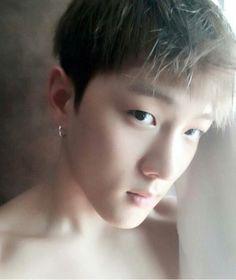 """Donghyuk you're not allowed to do this tO ME"" Jyp Trainee, Kim Jinhwan, Ikon Wallpaper, No Min Woo, Because He Lives, Dancing King, Yg Ent, Kpop Boy, My Sunshine"