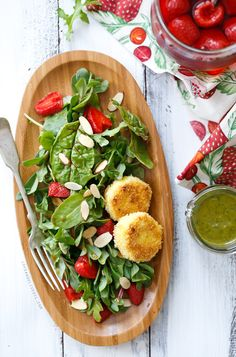 Purslane and Pickled Strawberry Salad with Fried Goat Cheese from @LoveAndOliveOil | Lindsay Landis