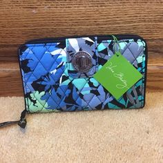 NWT Camofloral Wallet! new never used!!! Vera Bradley Bags Wallets