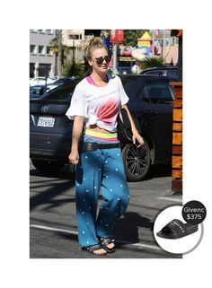 Kaley Cuoco out in LA #givenchy  #kaleycuoco @dejamoda