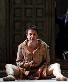 La vida es sueño, de Calderón de la Barca, con Blanca Portillo como Segismundo. Teatro Pavón