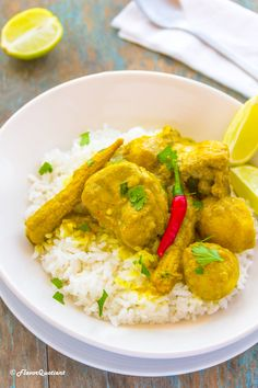 Flavorful Thai yellow chicken curry is another level of comfort food – it's full of refreshing flavors and is also a hearty meal with all-natural goodness! Thai Yellow Chicken Curry, Thai Chicken Satay, Green Curry, Thai Recipes, Sauce Recipes, Lunches And Dinners, Meals, Chicken Lunch Recipes, Kitchens