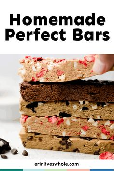 Everything tastes better when you know it's good for you! These Copycat Homemade Perfect Bars are a great way to fill your body with extra protein and make your taste buds do the happy dance. Topped with chocolate chips, they're the perfect treat. Healthy Protein Bars, Peanut Butter Protein Bars, Healthy Granola Bars, Healthy Eats, Perfect Bar Recipe, Perfect Food, Diet Desserts, Delicious Desserts, Healthy Desserts