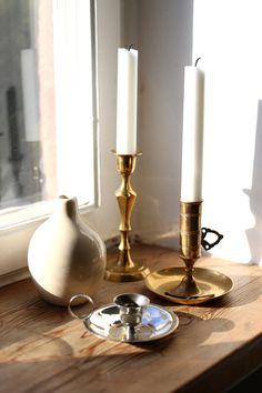 Candleholders, Candlesticks, Decor Interior Design, Interior Decorating, Classic Interior, Fireplace Mantels, Home Decor Accessories, Hygge, Vintage Decor