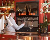 Selection de Crus au Verre Wine & Cheese Bar Les Grands Rouges