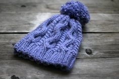 This knit hat is really cozy, warm and stylish! It is perfect for fall and winter. And now you can make the one by yourself! The #pattern is easy and the result is really go... #kgthreads #knitting