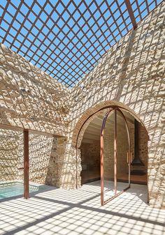 El pasado viernes 3 de junio recibimos el'Premi d'Arquitectura de les Comarques de Girona 2016' por nuestro proyecto'Rehabilitación de una Masía enel Empordà'.