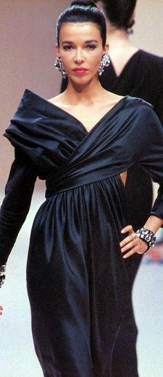 DALMA CALLADO  Balmain Show  A/W 1990