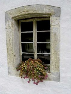window at Ballenberg by Marlis1, via Flickr