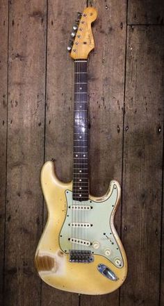 Vintage Guitars are pretty well our wonderful. With a little of the most extremely educated old electric guitar experts on the market. DAMM Vintage Guitars of Nashville Fender Stratocaster, Archtop Guitar, Fender Guitars, Fender Relic, Rare Guitars, Fender Electric Guitar, Vintage Electric Guitars, Cool Electric Guitars, Bass Guitar Lessons