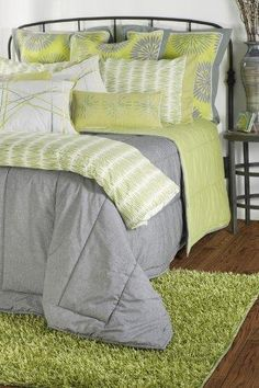 I love the lime green and grey in this bed set!