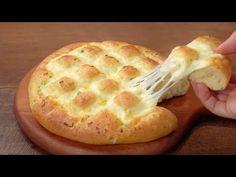 치즈 마늘빵 만들기 :: 빵은 폭신, 치즈는 쭉쭉 :: 맛있는 마늘빵소스 :: 대파마늘빵 :: Cheese Garlic Bread :: Fluffy and chewy - YouTube Bread Recipes, Snack Recipes, Cooking Recipes, Snacks, Garlic Cheese Bread, How To Make Cheese, Artisan Bread, How Sweet Eats, Naan