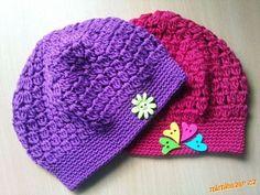 jarní baretek Crochet Baby, Free Crochet, Knit Crochet, Bandanas, Baby Patterns, Crochet Patterns, Kerchief, Wrist Warmers, Baby Hats