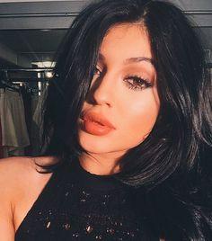 Kylie Jenner is effortlessly reviving your favorite summer trend