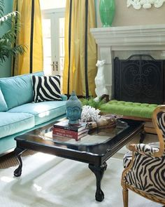 Not so much the styles, but I LOVE the color/print combo of this room! House of Turquoise Marmalade Interiors House Of Turquoise, Turquoise Room, My Living Room, Living Room Decor, Living Spaces, Home Interior, Interior Decorating, Interior Design, Modern Interior