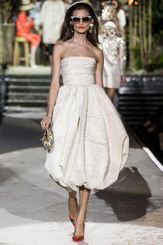 DSquared2- Vestido crudo con escote palabra de honor y falda abullonada.