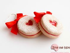 Strawberry jam cookies -Silver plated hook earrings!  -Double round biscuits filled with strawberry marmelade!