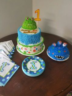 Monster cake with 1st birthday smash cake