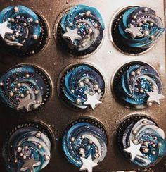 Moon and stars cupcakes . - Simone Schmidt - Moon and stars cupcakes . Moon and stars cupcakes More - Wedding Cupcakes, Birthday Cupcakes, Birthday Party Themes, Party Cupcakes, Baking Cupcakes, Birthday Ideas, 2nd Birthday, Cake Party, Cupcake Frosting