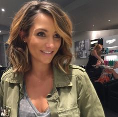 This is a *big* hair change for Frankie Bridge