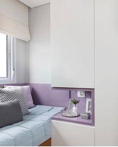 """310 Likes, 24 Comments - Arquiteta Natalia Salla (@nataliasalla.arq) on Instagram: """"💡Tenho visto em vários instas essa solução pra criado mudo quando a cama acaba ficando grudada no…"""""""