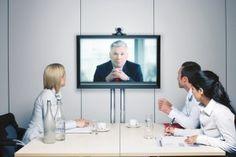 Ups, Videointerviews lassen alle Beteiligten schlechter aussehen - Personaler wie Bewerber, sagt jetzt eine neue Studie...   http://karrierebibel.de/tschuess-skype-video-jobinterviews-lassen-alle-beteiligten-schlechter-aussehen/