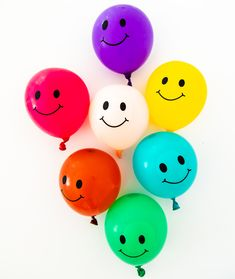 Smile Water Balloons - Peachy Party Water Balloon Games, Water Balloons, Summer Party Games, Small Balloons, Pool Games, Summer Pool, Green And Purple, Best Part Of Me, Latex
