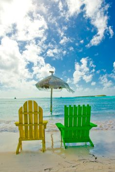 Wish my boyfriend and I were sitting in these chairs with some drinks in our hands :)