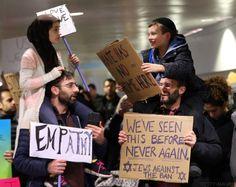 La bonita historia tras esta foto viral en las protestas contra el veto migratorio de Trump