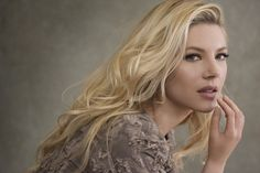 Katheryn Winnick – Photoshoot for Real Style Magazine, Summer 2017 - Celebrity Nude Leaked! Ragnar Lothbrok, Canadian Actresses, Real Style, Beautiful Women, Celebs, Hair, Beauty, Blondes, Celebrity