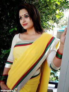 Malayalam Cinema, Malayalam Actress, Hollywood Heroines, Hollywood Actresses, Lakshmi Photos, Chappals For Womens, Russian Dating Site, Oscar Gowns, Bollywood Bikini