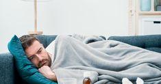 """Znany i lubiany doktor Bartosz Fiałek, który tak chętnie dzieli się swoją wiedzą medyczną w serwisach społecznościowych, ma koronawirusa. Na swoim facebookowym profilu opublikował właśnie poradnik """"COVID-19 – co robić, kiedy zachoruję?""""."""