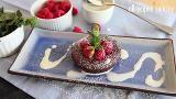 Pastel de chocolate fundido (lava de chocolate o volcán de chocolate) @ http://allrecipes.com.mx