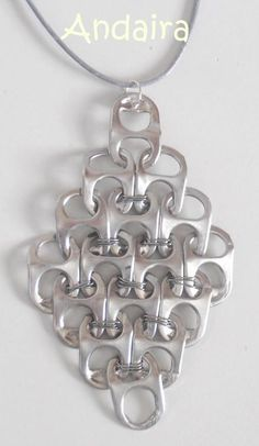 How to Make Pop Tabs Necklace & Earrings? These necklace and earrings look super cute and is really easy to make. Do not throw away your used Soda Can as you can make Jewelry, Bracelets and etc. Capsule Coca, Pop Top Crafts, Diy Crafts, Crystal Bralette, Soda Can Tabs, Soda Can Crafts, Button Crafts, Recycled Art, Jewelery