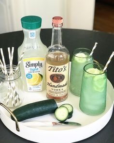 Summer In a Cup: The PERFECT 3 ingredient cocktail - Crisp Collective Recipes Party Drinks, Cocktail Drinks, Fun Drinks, Cocktail Recipes, Beverages, Easy Vodka Cocktails, Low Carb Vodka Drinks, Vodka Lemonade Drinks, Watermelon Vodka Drinks